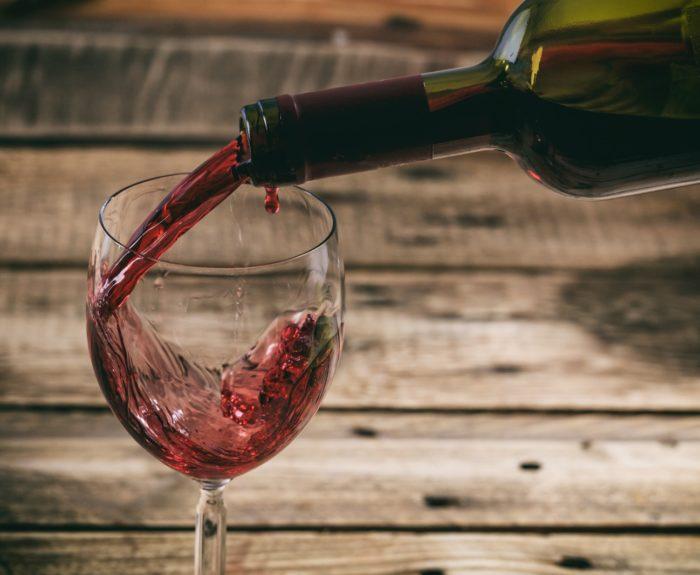 ako odstrániť červené víno